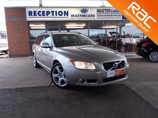 used Volvo V70 2.0 D R-DESIGN SE in sandy-bedfordshire