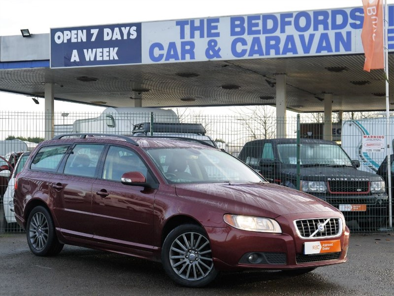used Volvo V70 D SE  AUTOMATIC in sandy-bedfordshire