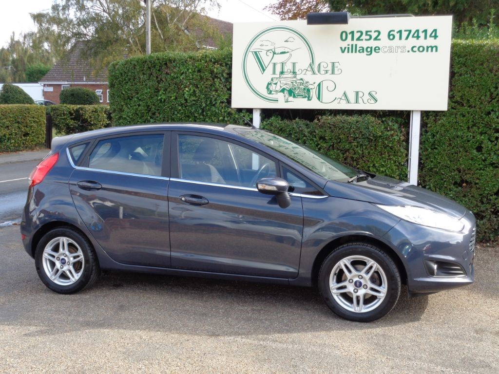 used Ford Fiesta ZETEC  FULL FORD SERVICE HISTORY 2 X KEYS WARRANTY INCL in fleet
