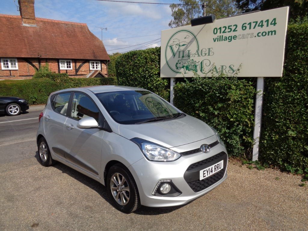 used Hyundai i10 PREMIUM £30 TAX FULL HISTORY AIR CON BLUETOOTH in fleet