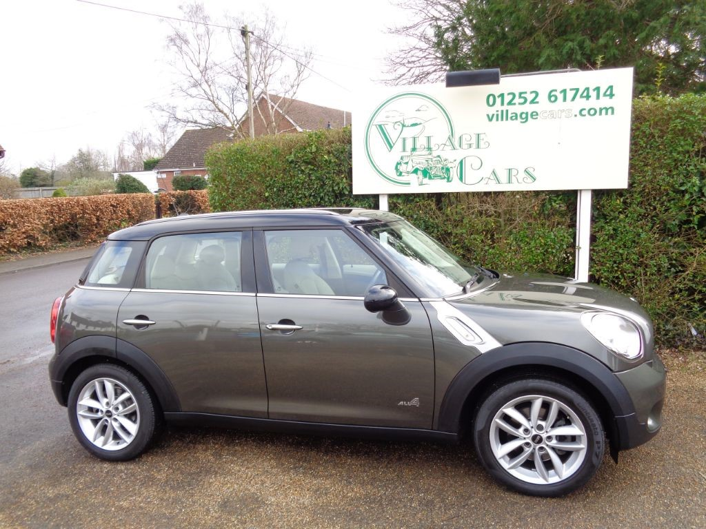used MINI Countryman COOPER D ALL4 ONE OWNER VERY HIGH SPEC FULL MINI HISTORY  in fleet