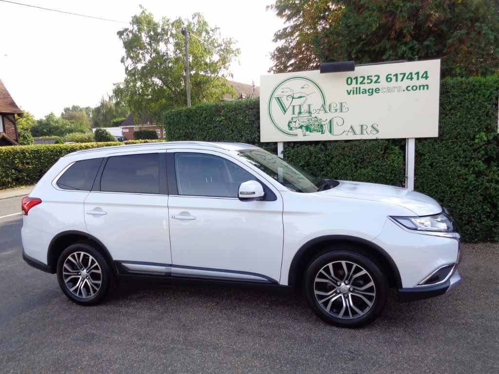 used Mitsubishi Outlander DI-D GX 3 1 OWNER 7 SEATER DIESEL AUTO LEATHER in fleet