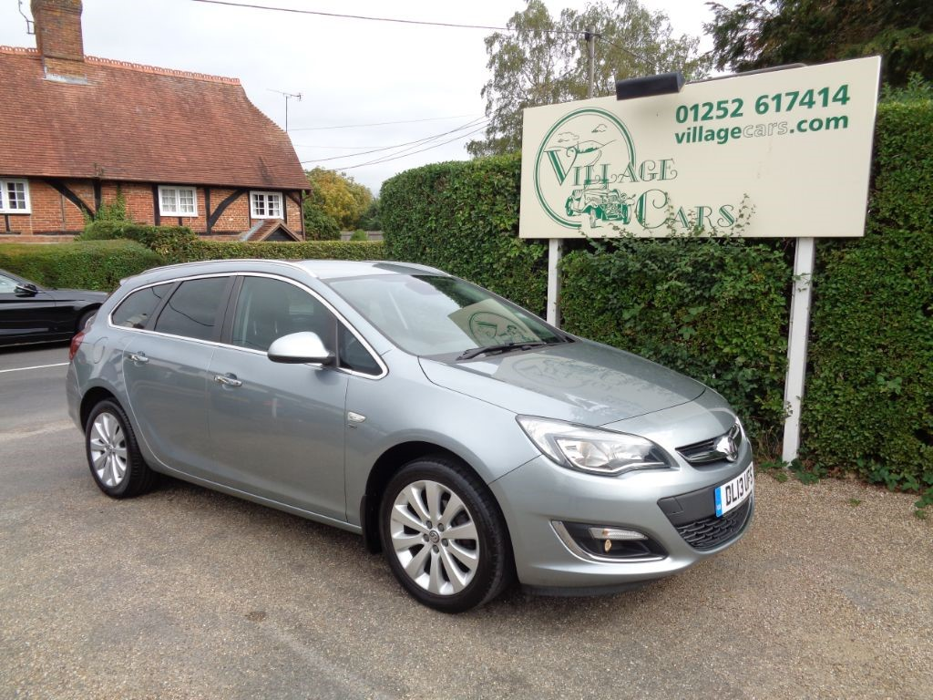 used Vauxhall Astra SE FULL DEALER HISTORY SATELLITE NAVIGATION CRUISE BLUETOOTH in fleet