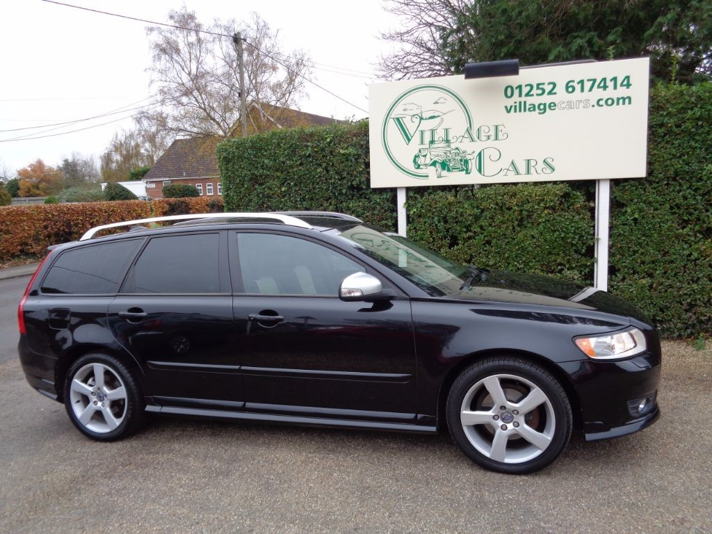 used Volvo V50 D2 R-DESIGN EDITION £30 TAX HEATED LEATHER REVERSE SENSORS CRUISE CONTROL in fleet