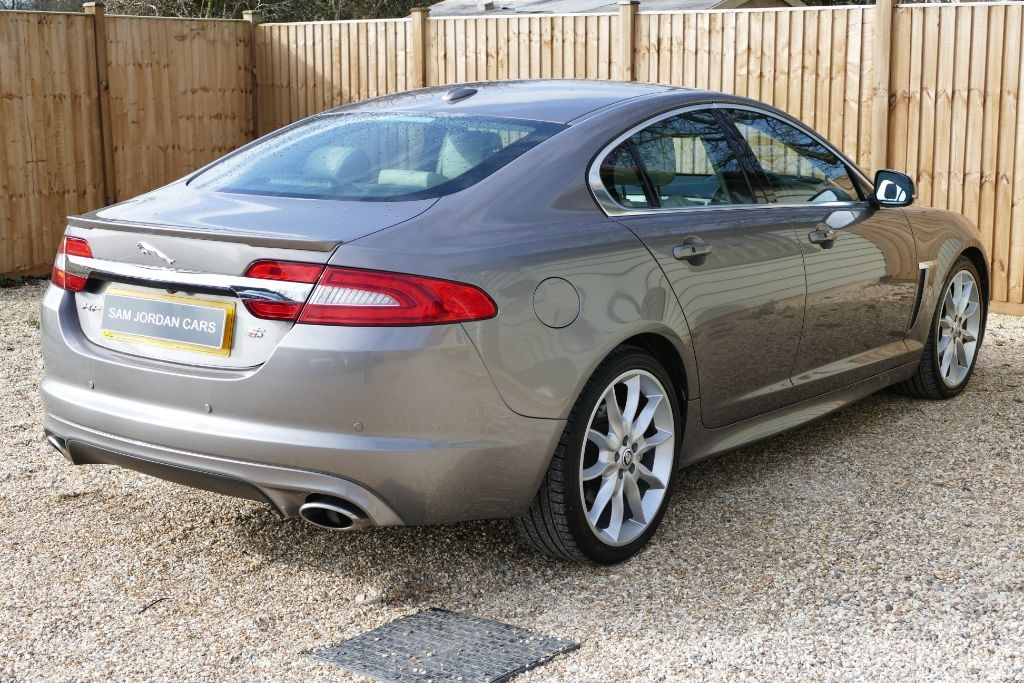 immaculate sale xf car jaguar general oxfordshire belt saloon premium luxury new timing for diesel in used