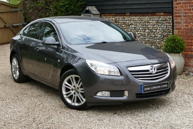used Vauxhall Insignia EXCLUSIV 2.0 CDTI in bury-st-edmunds-suffolk