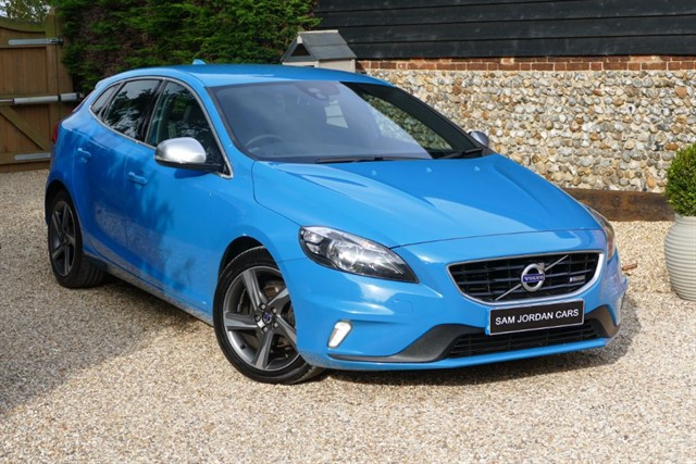 used Volvo V40 1.6 D2 R-DESIGN in bury-st-edmunds-suffolk