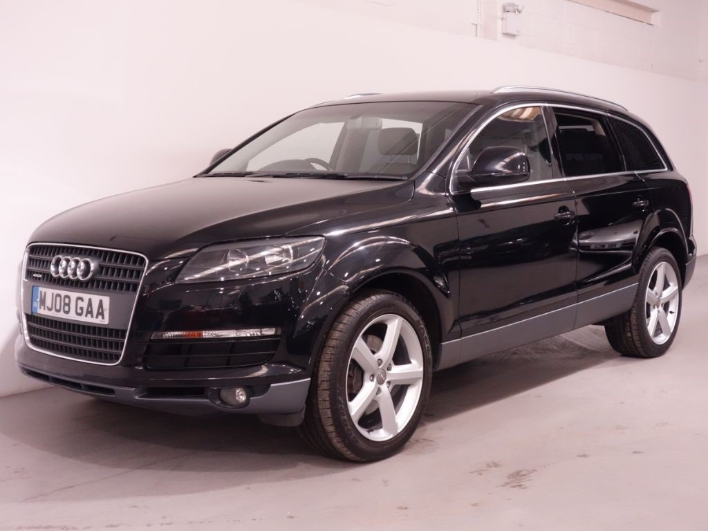 used black audi q7 for sale hampshire. Black Bedroom Furniture Sets. Home Design Ideas