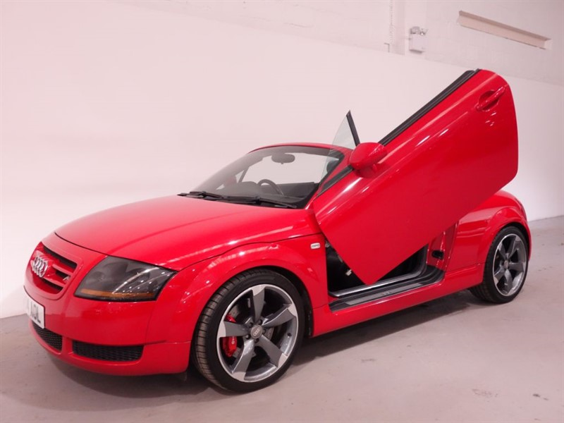 used Audi TT ROADSTER - 1 FORMER KEEPER - LAMBO DOORS - LOW MILES - STUNNING EXAMPLE  in surrey