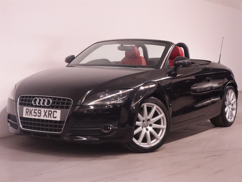 used Audi TT TFSI-200BHP-PARKING SENSORS-BLUETOOTH-AIRCON-RED LEATHER-BLACK HOOD-FSH in surrey