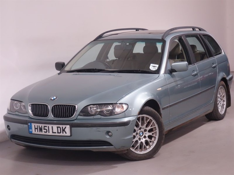 used BMW 325i SE TOURING-AUTO-SUNROOF-LEATHER-PARKING SENSORS-CRUISE CONTROL in surrey