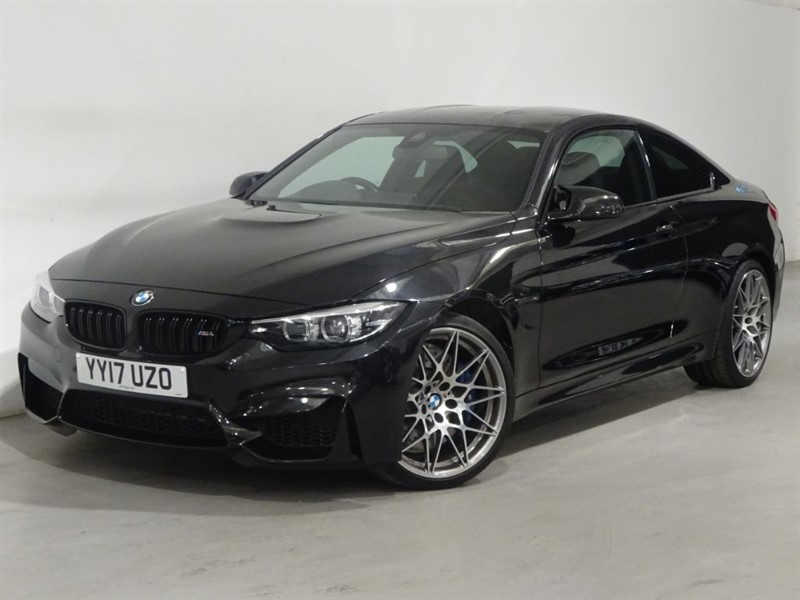 used BMW M4 COMPETITION - REVERSING CAM - HEAD UP DISPLAY - MERINO LEATHER - SATNAV in surrey
