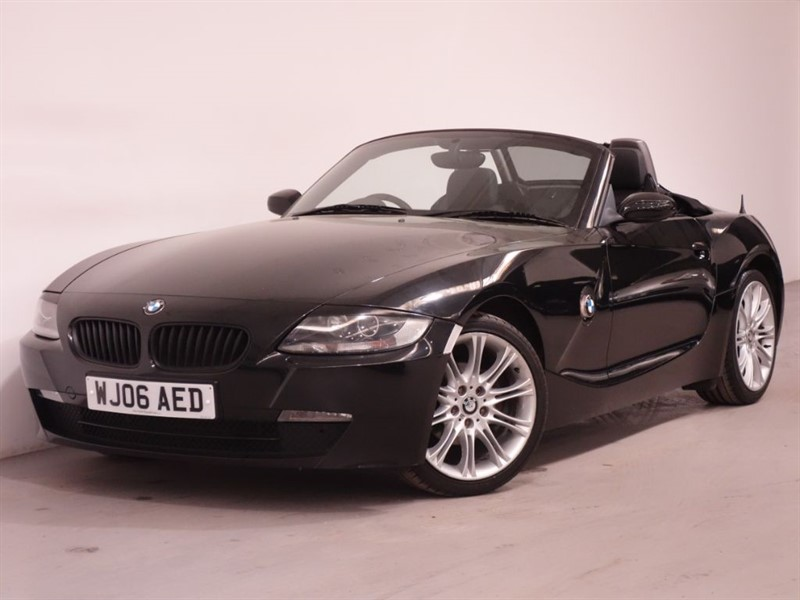 used BMW Z4 SE ROADSTER - LOW MILES - HALF LEATHER - STUNNING EXAMPLE in surrey