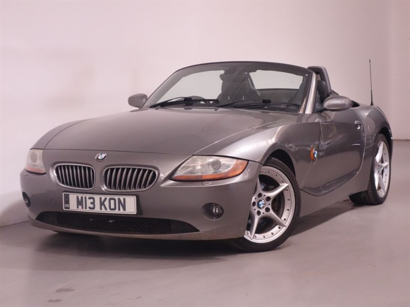 used BMW Z4 ROADSTER - UNMARKED BLACK LEATHER - ONLY 75K WARRANTED MILES - STUNNING  in surrey