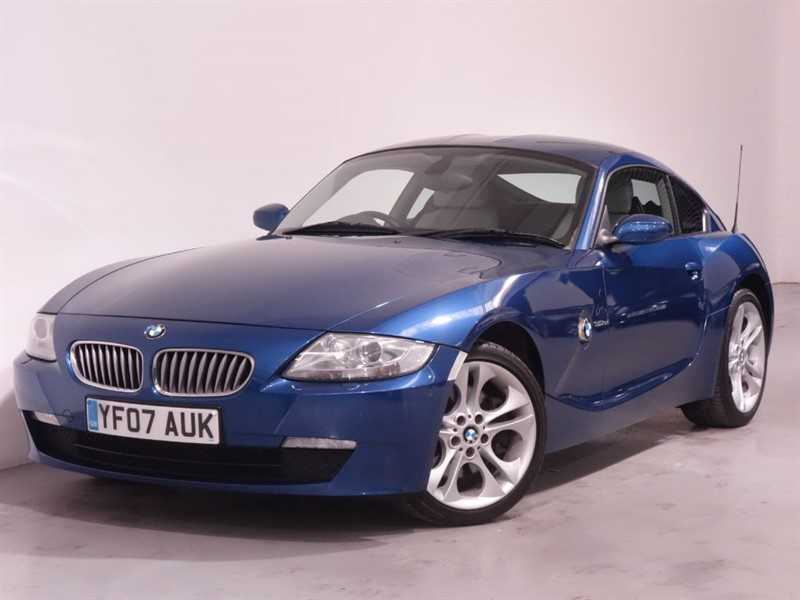 used BMW Z4 SI SE COUPE - FULL LEATHER INTERIOR - STUNNING EXAMPLE - AUTO  in surrey