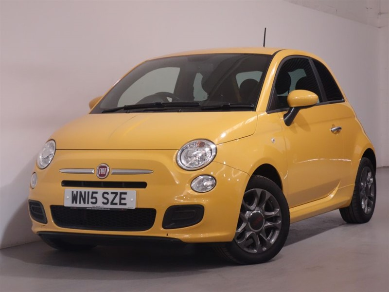 used Fiat 500 S - WARRANTY UNTIL APRIL 2018 - ONLY 28K WARRANTED MILES - STUNNING in surrey