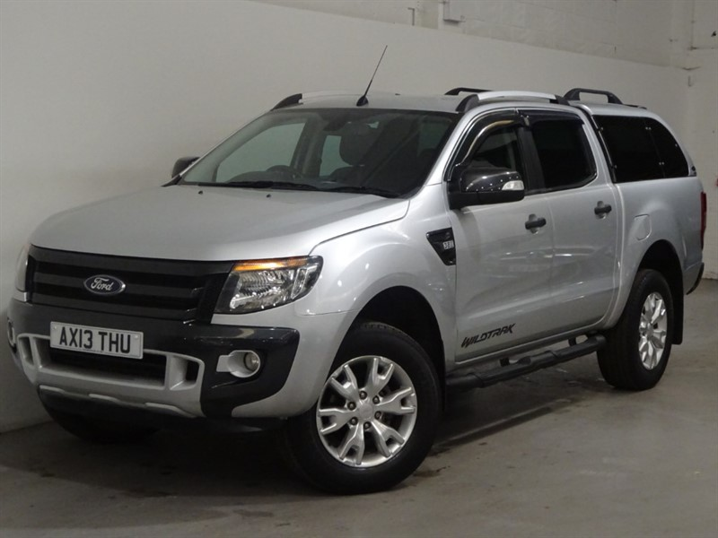 used Ford Ranger WILDTRAK 4X4 DCB TDCI / AUTO / LEATHER SEATS / BLUETOOTH / LOCKING CANOPY in surrey