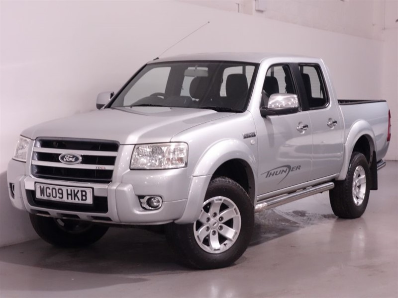 used Ford Ranger THUNDER 4X4 LWB D/C - FULL LEATHER INTERIOR - NO VAT - AIR CON in surrey