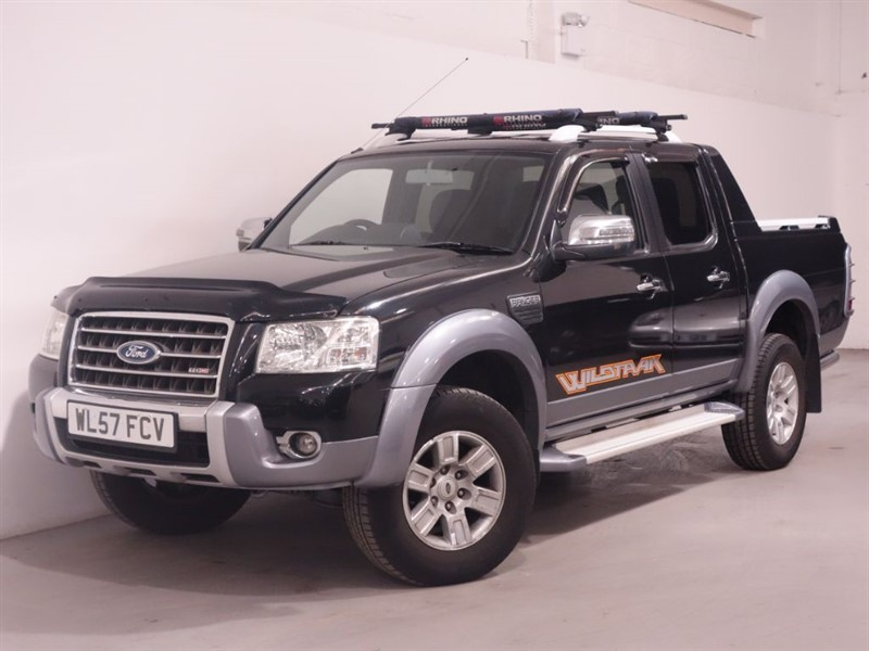 used Ford Ranger WILDTRAK 4X4 LWB D/C - NO VAT - LEATHER - AIRCON - BLUETOOTH - FSH in surrey