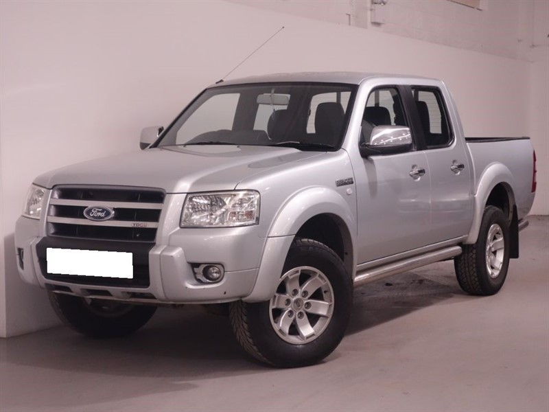 used Ford Ranger THUNDER 4X4 D/C - UNMARKED BLACK LEATHER - FULL WARRANTY - NO VAT -  in surrey