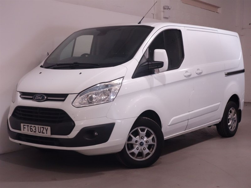 used Ford Transit Custom 270 LIMITED LR P/V - DIGITAL DAB RADIO - AIRCON - PARKING SENSORS - FFSH in surrey