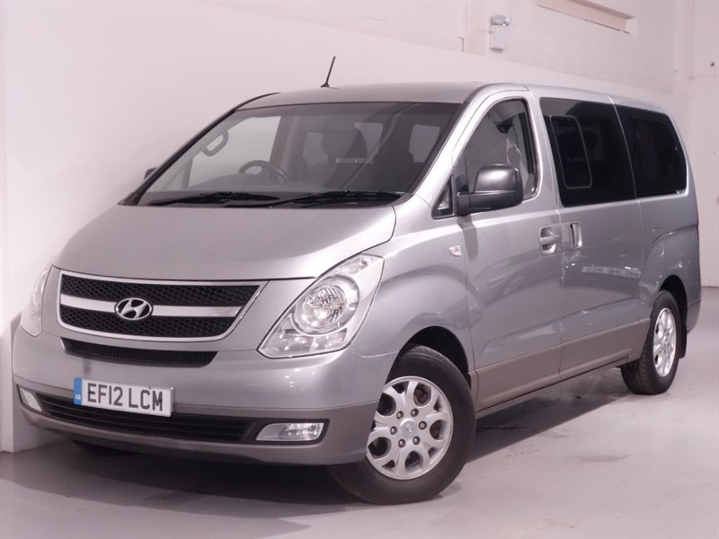 used Hyundai i800 STYLE CRDI - LOW MILES - 1 OWNER -  PARKING SENSORS - 8 SEATS+FREE ROAD TAX in surrey