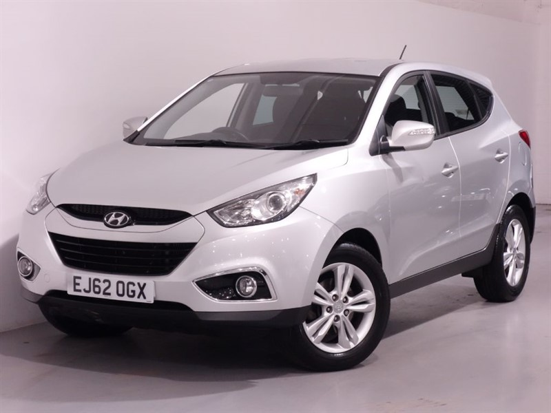 used Hyundai ix35 STYLE CRDI - ONLY 24K WARRANTED MILES in surrey