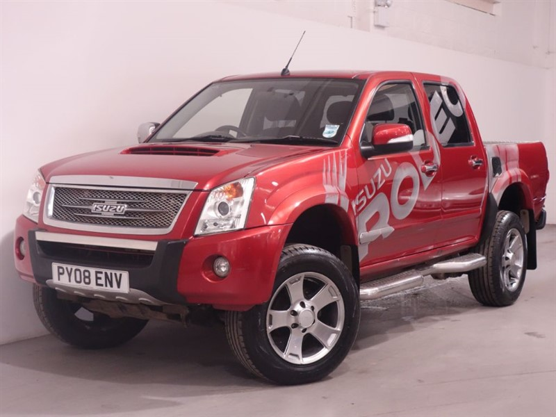 used Isuzu Rodeo RODEO DENVER MAX TD LWB D/C - LOW MILES - NO VAT - FINANCE AVAILABLE in surrey