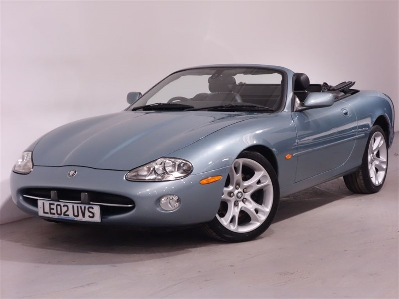 used Jaguar XK8 CONVERTIBLE - FULL LEATHER - PARKING SENSORS - WELL MAINTAINED in surrey