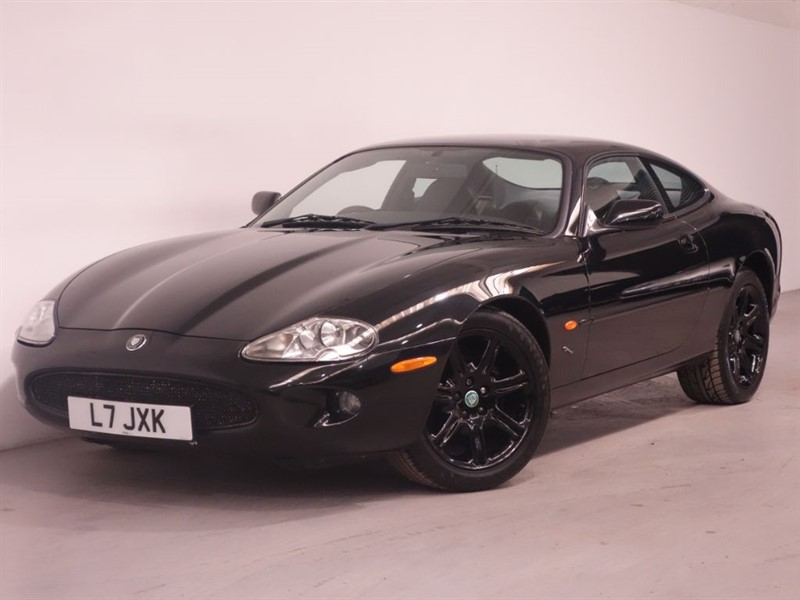 used Jaguar XK8 V8 COUPE - PREVIOUSLY OWNED BY GEORGE HARRISON - PRIVATE PLATE - STUNNING in surrey