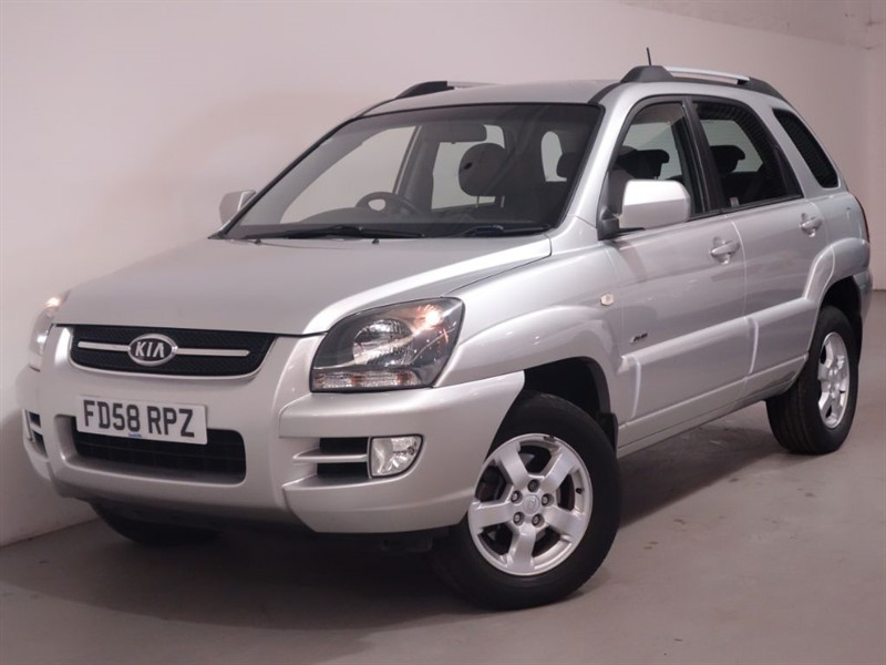 used Kia Sportage XR - LOW MILES - LEATHER INTERIOR - PARKING SENSORS in surrey