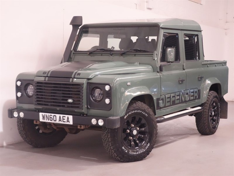 used Land Rover Defender 110 TD XS DCB - NEW ALLOYD AND TYRES ALL ROUND - STUNNING KESWICK GREEN in surrey