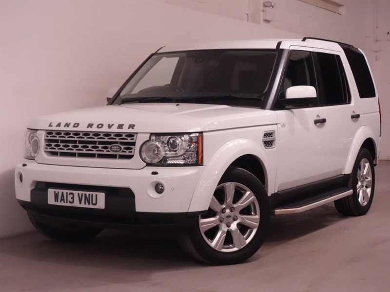 used Land Rover Discovery 4 SDV6 HSE - PAN ROOF - SIDE STEPS - SATNAV - DAB - RCAM - FLRSH in surrey