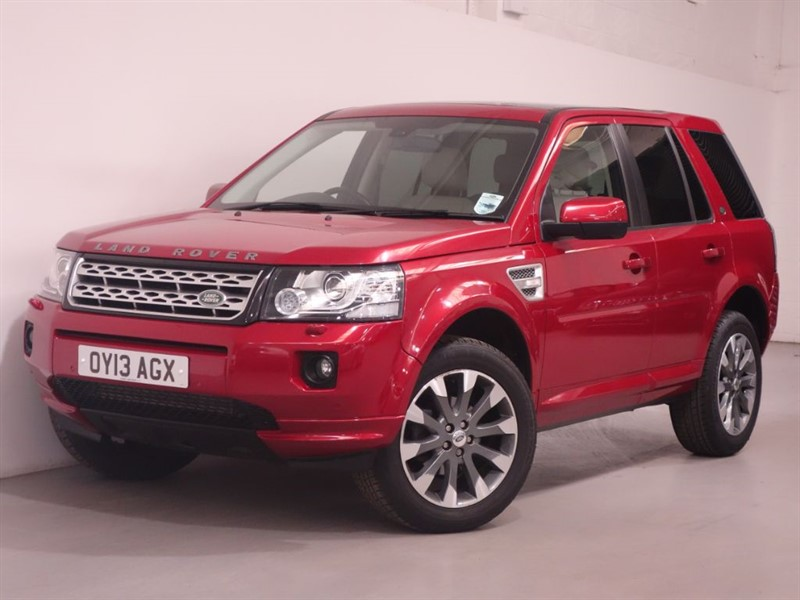 used Land Rover Freelander SD4 HSE LUXURY - TOP SPEC - SAT NAV - LOW MILES  - STUNNING in surrey