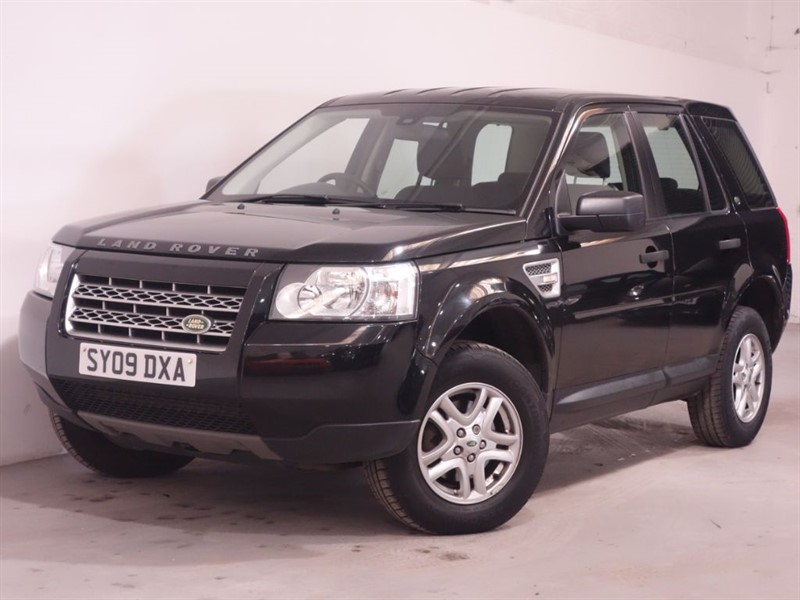 used Land Rover Freelander TD4 E S - BELOW AVERAGE MILES - STUNNING EXAMPLE - MANUAL in surrey