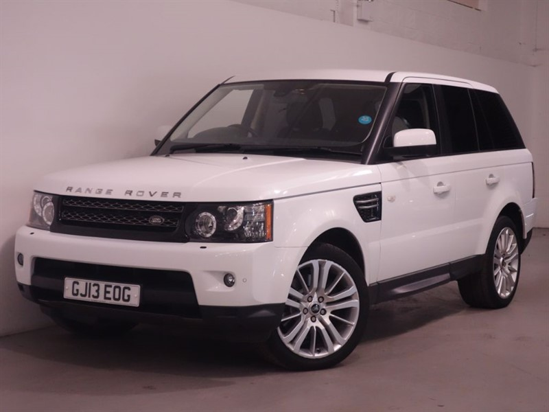 used Land Rover Range Rover Sport SDV6 SE - SATNAV - DAB - PARKING SENSORS - XENONS - ONE OWNER FROM NEW -FSH in surrey
