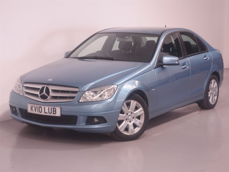 used Mercedes C200 CDI BLUEEFFICIENCY EXECUTIVE SE UNMARKED LEATHER - SAT NAV - ONLY 38K MILES in surrey