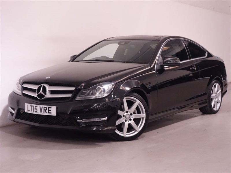 used Mercedes C220 CDI AMG SPORT EDITION PREMIUM PLUS - LOW MILES - STUNNING EXAMPLE - DAB in surrey
