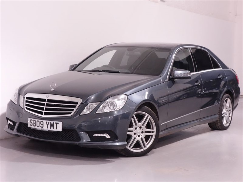 used Mercedes E350 CDI BLUEEFFICIENCY SPORT - BLUETOOTH - SAT NAV - PARKING SENSORS  in surrey