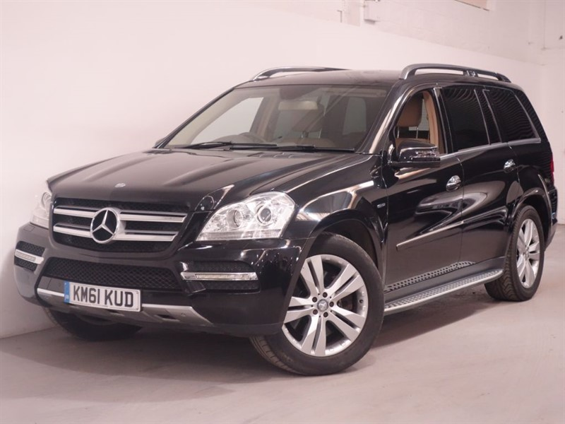 used Mercedes GL350 -CLASS GL350 CDI BLUEEFFICIENCY - STUNNING EXAMPLE - LOW MILES - TOP SPEC in surrey