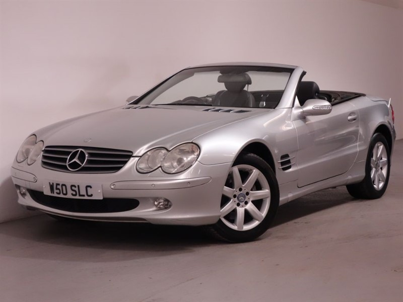 used Mercedes SL SL500 - SAT NAV - LEATHER INTERIOR - AUTO LIGHTS - STUNNING EXAMPLE in surrey