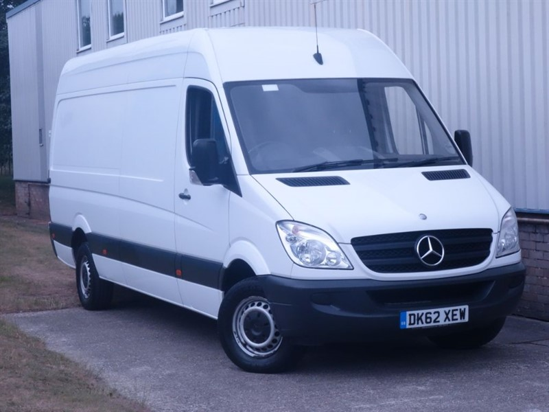 used Mercedes Sprinter 313 CDI LWB-HIGH ROOF TOP-NO VAT-ONLY 1 FORMER KEEPER FROM NEW- in surrey