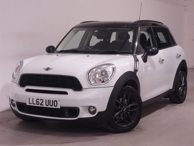 used MINI Countryman COOPER SD - AUTOMATIC 6SPEED - COOPER S - DAB DIGITAL RADIO - LIGHT WHITE in surrey
