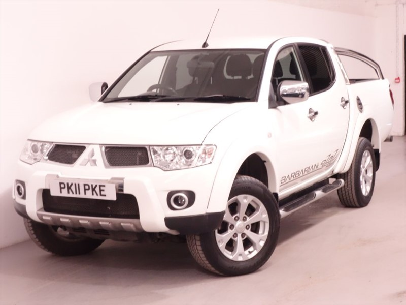 used Mitsubishi L200 DI-D 4X4 BARBARIAN LB DCB in surrey