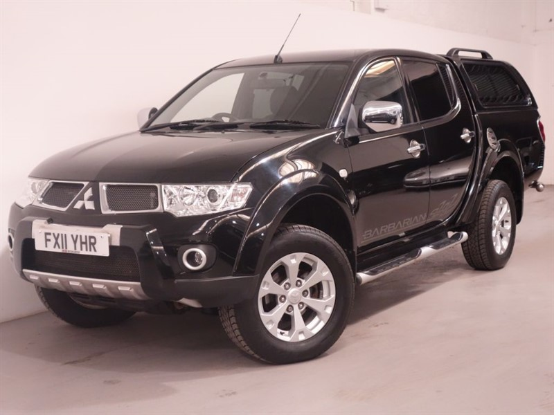 used Mitsubishi L200 DI-D 4X4 BARBARIAN LB DCB - NO VAT - REVERSE CAMERA - SAT NAV - LOW MILES in surrey