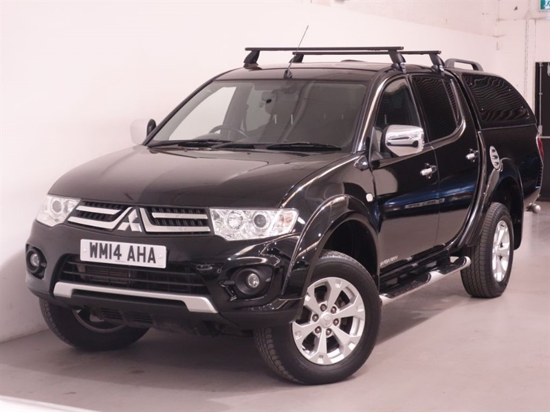 used Mitsubishi L200 DI-D 4X4 BARBARIAN LB DCB - NO VAT - LOW MILES - BLUETOOTH - REV CAMERA  in surrey