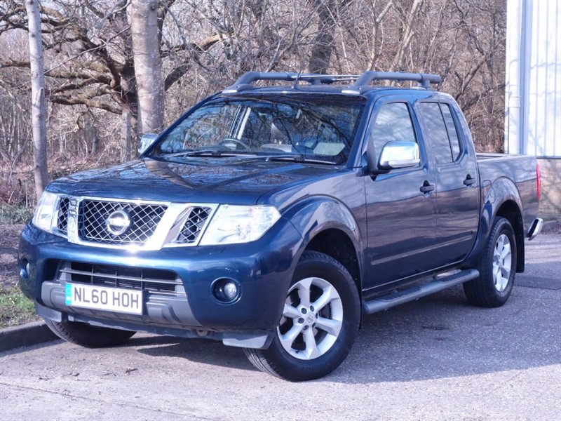 used Nissan Navara DCI TEKNA 4X4 DCB - NO VAT - REVERSE CAMERA - SUNROOF - FULL LEATHER -  in surrey