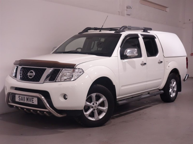 used Nissan Navara DCI TEKNA 4X4 DCB - BLUETOOTH - LEATHER - CANOPY - LOW MILES - NO VAT in surrey