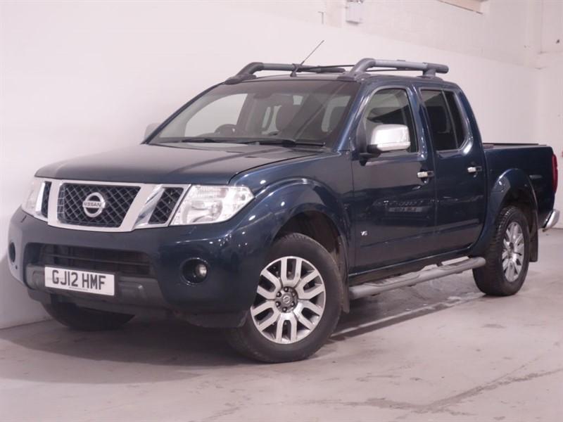 used Nissan Navara OUTLAW DCI 4X4 SHR DCB - AUTO - RCAM - SATNAV - HEATED SEATS - BLUETOOTH in surrey