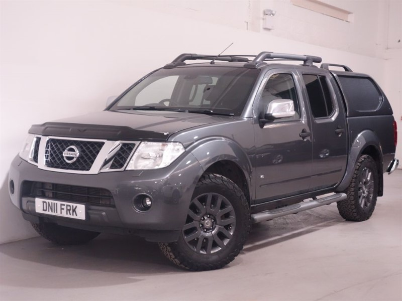 used Nissan Navara OUTLAW DCI 4X4 DCB in surrey